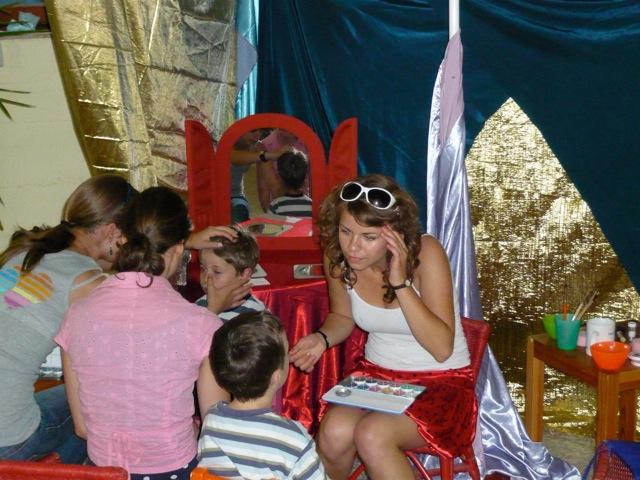 Kinderschminken beim Infotag
